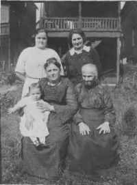 Theme: 5 generations of women