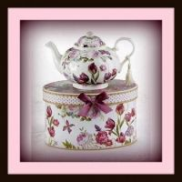 Pinknblack Teapot