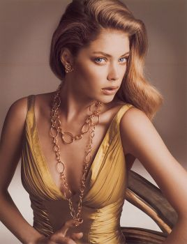 doutzen-kroes in gold