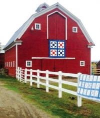 Old Red quilt barn....
