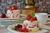 Strawberry Cream Cakes & Coffee