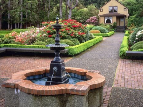 Gardens Fountain and House-State Park Oregon