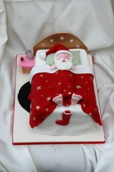 Sleeping Santa Cake - How Cute!