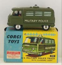 CORGI TOYS - U.S. MILITARY POLICE TRUCK WITH FLASHING LIGHT