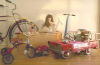 Theme, antiques: old toys