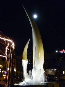 sails statue kelowna bc