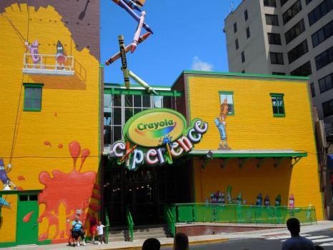 crayola experience crayola factory entrance 88 pieces jigsaw puzzle