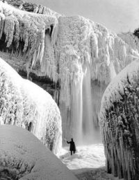 1911 Niagra Falls-that's cold