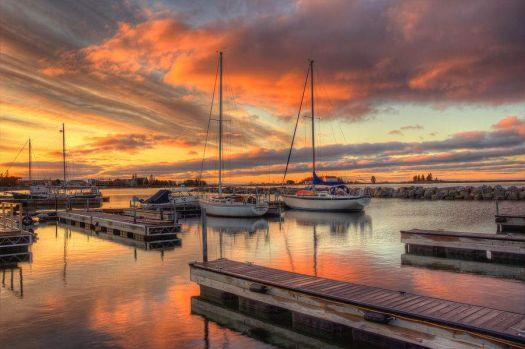 A-beautiful-morning-sunrise-in-the-Grand-Marais-Minnesota-harbor-on-Lake-Superior