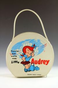 Little Audrey round travel case