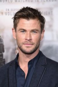 "Chris Hemsworth at the ""12 Strong"" Premiere"