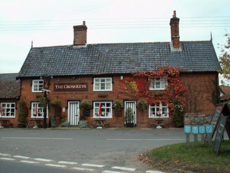 'The Cross Keys' inn at Redgrave, Suffolk.  Photo by Robert Edwards