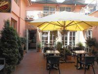 Kavárna v Kolíně  / Café in city  Kolín, Czech republic