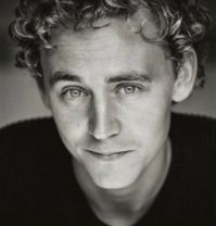 Tom Hiddleston, black and white