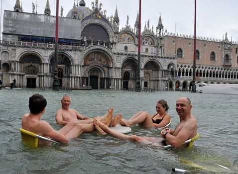 Pool party Venice style