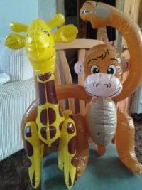 Giraffe and monkey