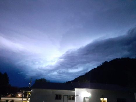 Sheet-lightening over Midway, BC, Canada