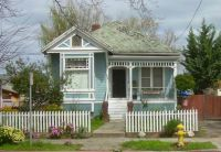 Sweet Victorian house, San Jose, California, by roarofthefour (pic cropped)