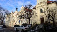 Business Academy Krupkovo Square, Kostel sv. Gotharda