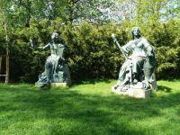 Bronzové alegorické plastiky z roku 1892