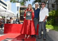 carrie underwood receivers star on hollywood walk of fame