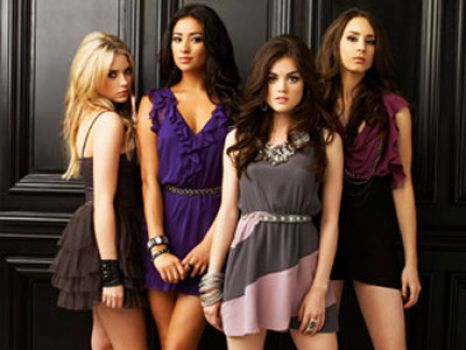 Pretty Little Liars :)