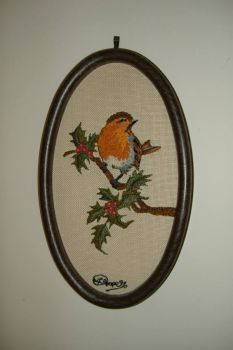 Picture Embroidery = Robin