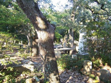 another view, Old Burying Ground, Beaufort, NC