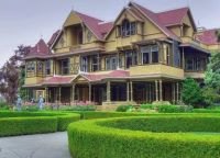 Winchester Mystery House...looks normal from the outside