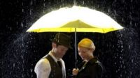 Music- Singing in the Rain / Umbrella- Glee Cast featuring Gwyneth Paltrow