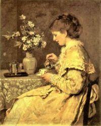 Frau Scholderer am Frühstückstisch