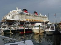 Disney Dream leaving port