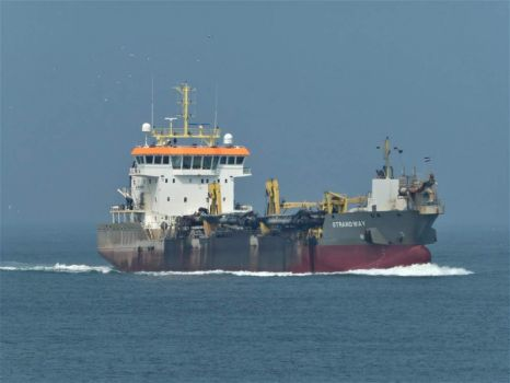 Photo's taken from Hoek van Holland/Maasvlakte, where the big ships enter (leave) Rotterdam harbours. This is one...