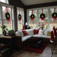 Wreaths to Warm up the Windows