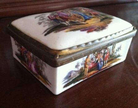 Pretty Snuff Box!!