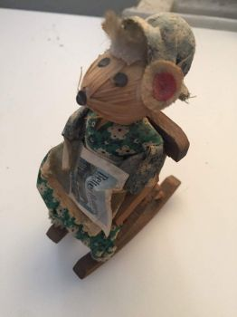 Mouse in a rocking chair for firstdawn