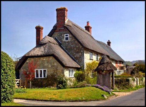 Thatched cottage in Fontmell Magna, Dorset