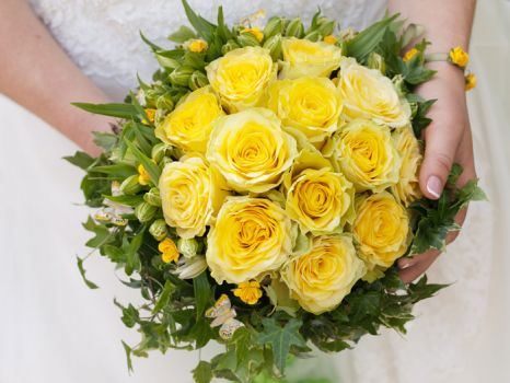 Theme yellow: wedding-bouquet