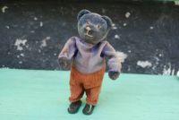 retro okénko - medvídek na klíček
