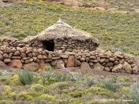 LESOTHO – Hut (Rondavel) on the road