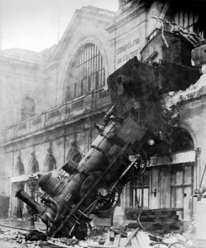 Train Wreck at Montparnasse 1895 (Medium)