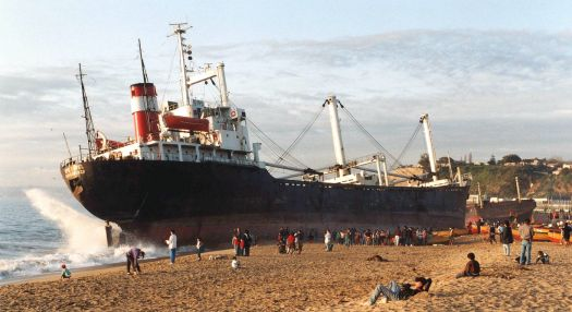 """Rio Rapel"" aground off Caleta Portales, Valpariso, CHILE, 5th June 1992!!"