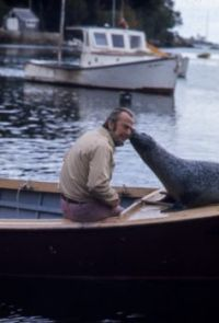 Harry Goodridge with Andre the seal - 1974