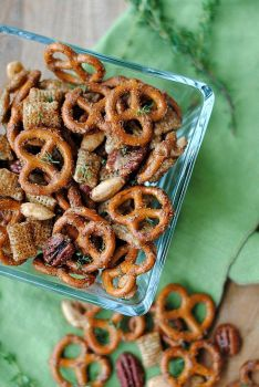 Sweet Spicy pretzel mix from net