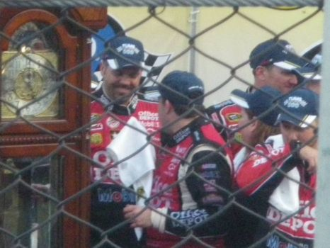 Smoke wins at Martinsville 2011