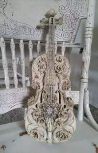 art vintage violin