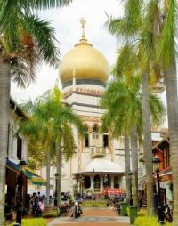 Bussorah street and Sultan mosque, Singapore