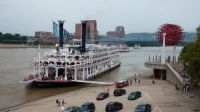 American Queen on the Ohio River