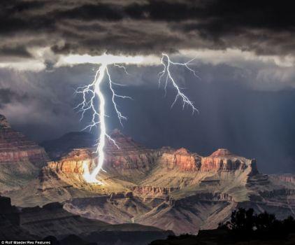 Lightning in the desert