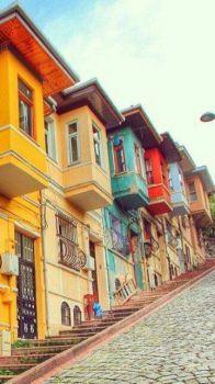 Fachadas coloridas em Balat, Istambul, Turquia !!!